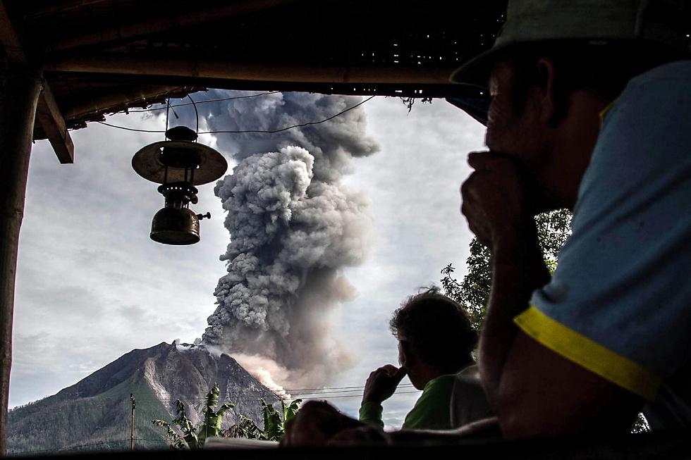 הר הגעש סינבונג באינדונזיה (צילום: AFP)