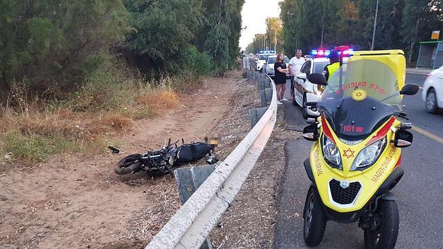"""זירת התאונה (צילום: אלון קוצי תיעוד מבצעי מד""""א)"""