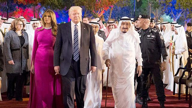 המלך סלמאן עם בני הזוג טראמפ (צילום: EPA)