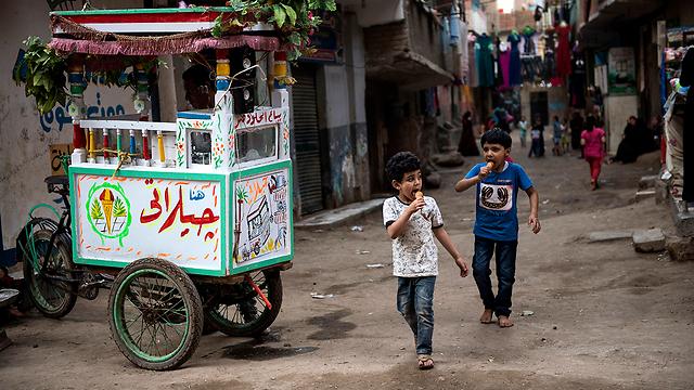 ילדים מצרים עם שמות מערביים יתנתקו מהזהות שלהם? (צילום: EPA)