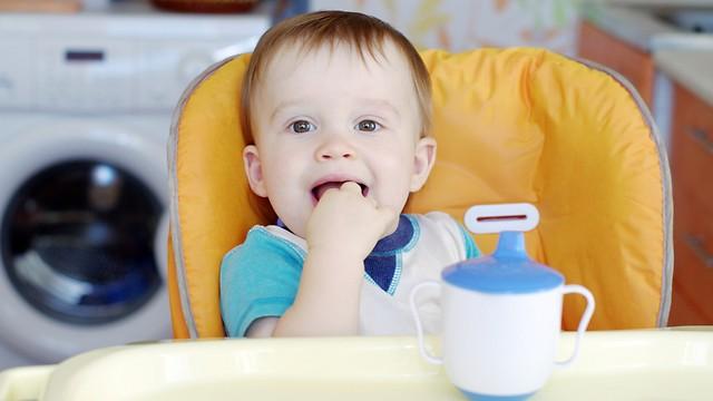מתחת לגיל חצי שנה אין לתת לתינוק מים (צילום: shutterstock) (צילום: shutterstock)