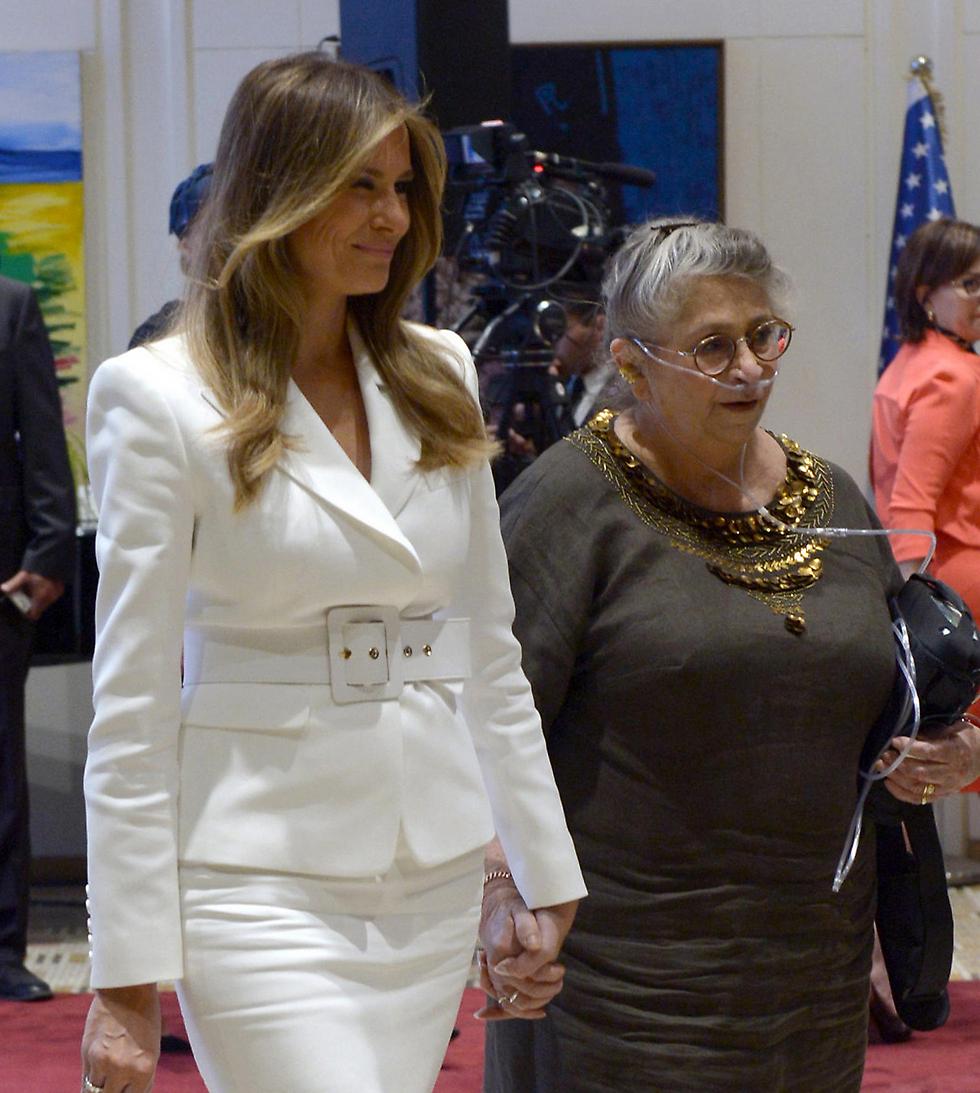 """נחמה ריבלין עם מלאניה טראמפ. המשיכה לעסוק בכל הפעילויות שלה (צילום: חיים צח / לע""""מ) (צילום: חיים צח / לע"""
