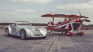 מטוס ומכונית