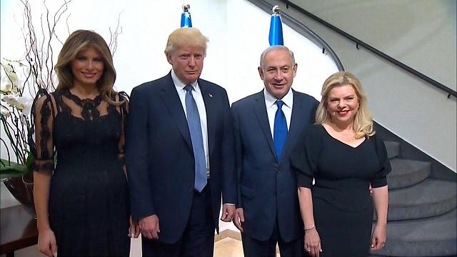 שרה ובנימין נתניהו עם דונלד ומלניה טראמפ ()