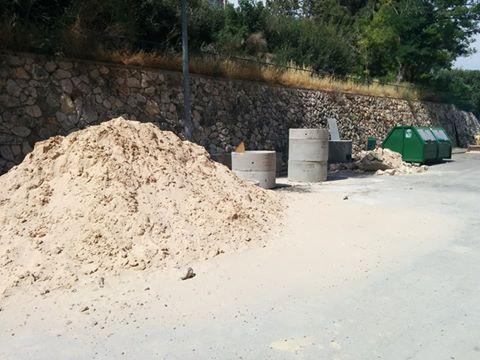 """""""Вести"""" помогли: в Кармиэле вывезут строительный мусор"""