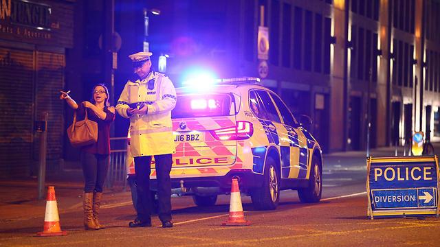 המשטרה במנצ'סטר חוסמת את אזור התקרית (צילום: Getty)