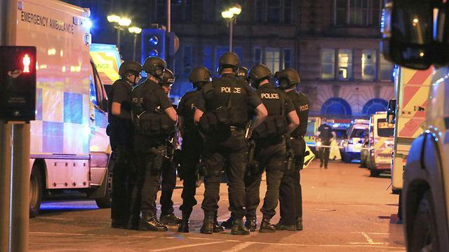 כוחות ההצלה במקום (צילום: AP)