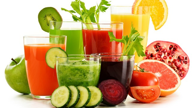 מיצים מפירות וירקות. להרגיע את מערכת העיכול (צילום: shutterstock) (צילום: shutterstock)