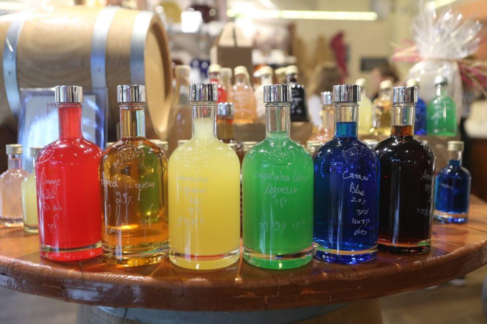 הליקרים הצבעוניים של VOM FASS, שרונה מרקט (צילום: ירון ברנר)