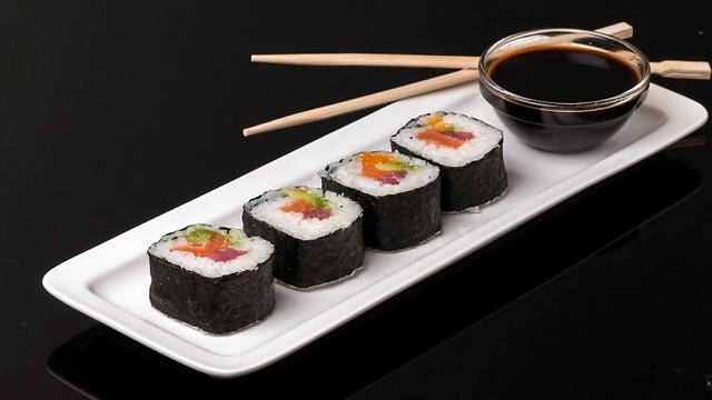 עלייה בהדבקה בתולעים מאכילת סושי (צילום: ערן גזיאל) (צילום: ערן גזיאל)