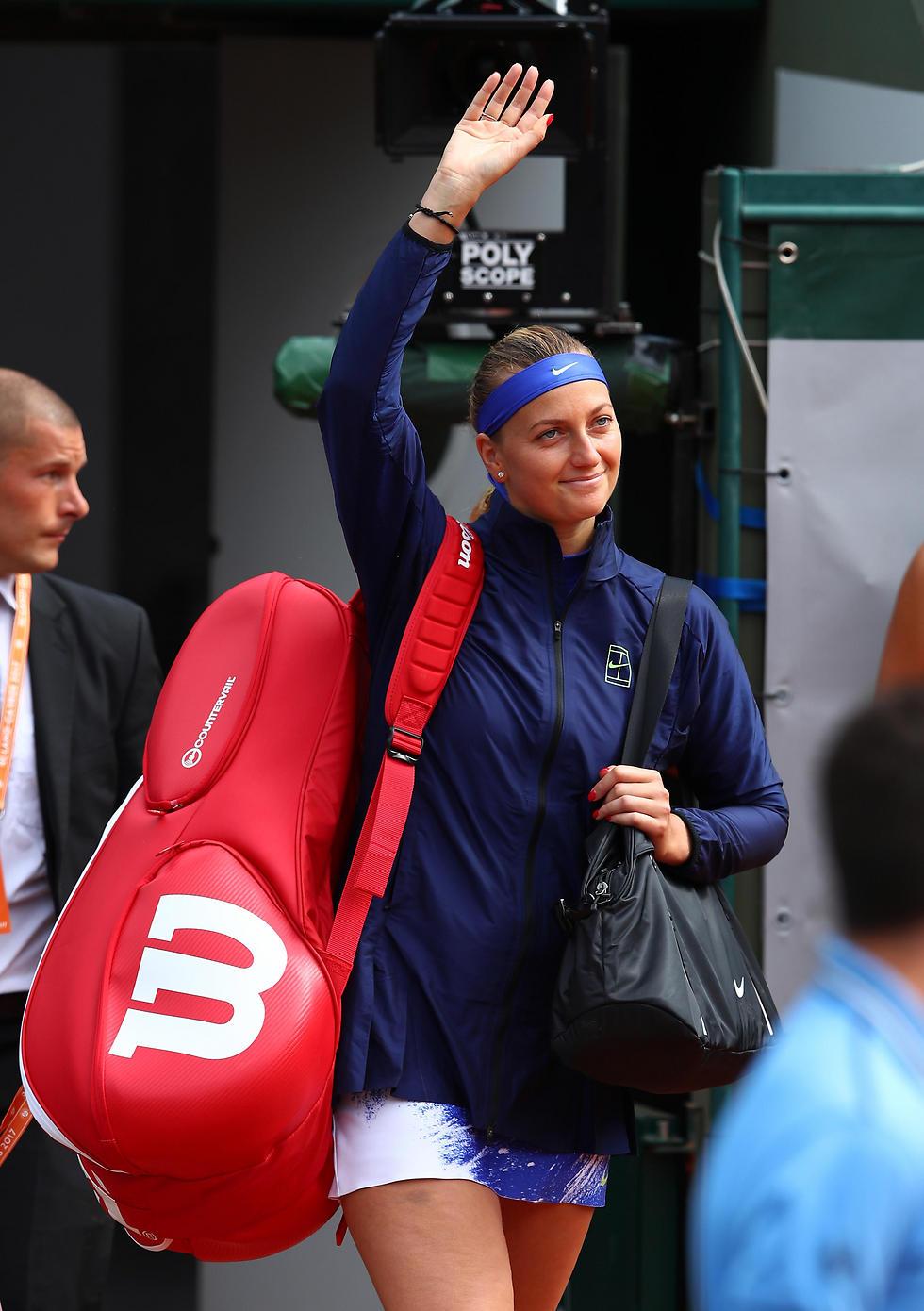 טראומת הדקירה מאחוריה. פטרה קביטובה (צילום: Getty Images) (צילום: Getty Images)