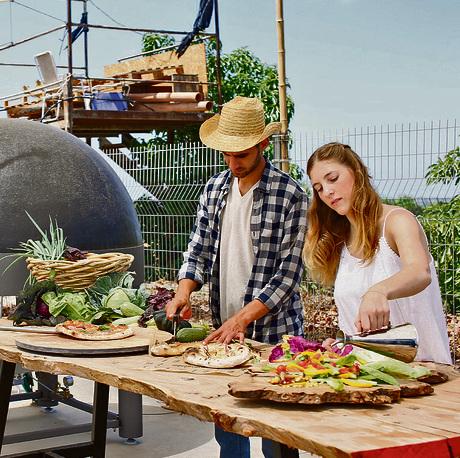 חוות למשמרת. שוק אוכל בשבועות | צילום: אביגיל עוזי