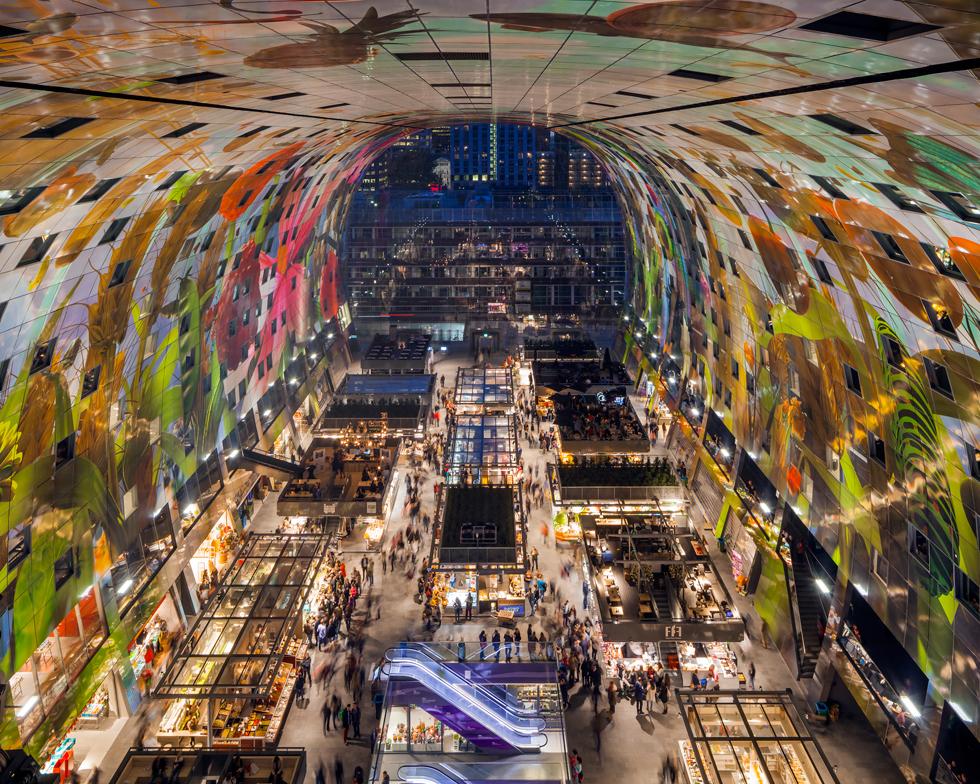 ''זה לא רק בניין אלא חלל עירוני'', מסביר מאס, ואומר שרוטרדם ''נותנת לעצמה חופש והזדמנות להמציא את עצמה מחדש בשני העשורים האחרונים'' (צילום: ©Daria Scagliola/Stijn Brakkee , MVRDV)