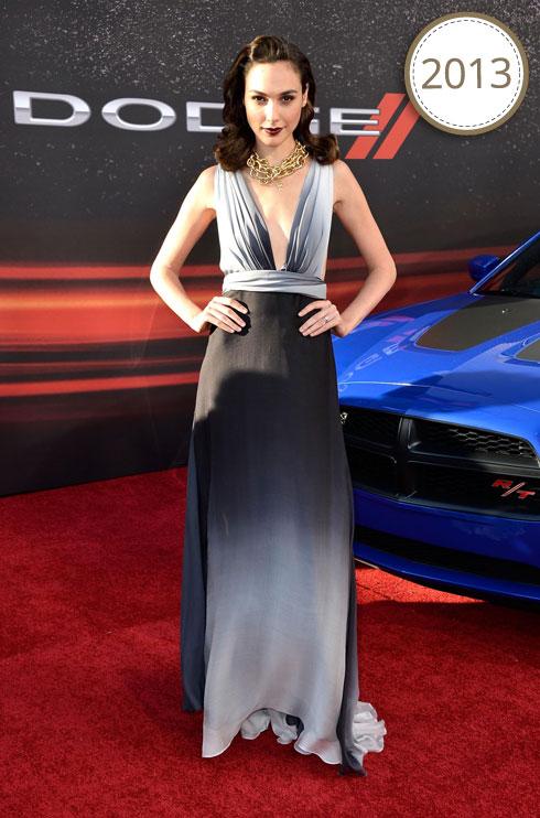 """בשמלת שיפון באפור דגרדה, שעוצבה על ידי קסטרו, בפרמיירת הסרט """"מהיר ועצבני 6"""" בלוס אנג'לס (צילום: Gettyimages)"""