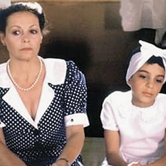 """גילה אלמגור וקאיפו כהן בסרט """"הקיץ של אביה"""". מסיבה שאיש לא בא"""