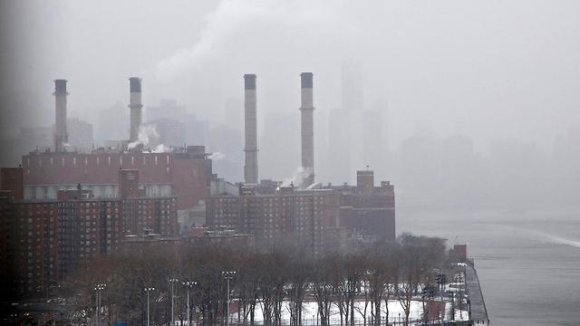מפעל מזהם בעולם (צילום: EPA)