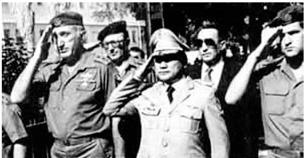 Manuel Noriega with Mike Harari during a visit to Israel in the 1980s
