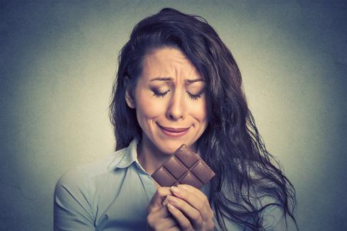 שוקולד ינחם? אולי זה סתם סיפור שלא משרת אותך (צילום: Shutterstock)
