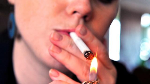 עוד סיבה להפסיק לעשן. קמטי ברקוד (צילום: shutterstock) (צילום: shutterstock)