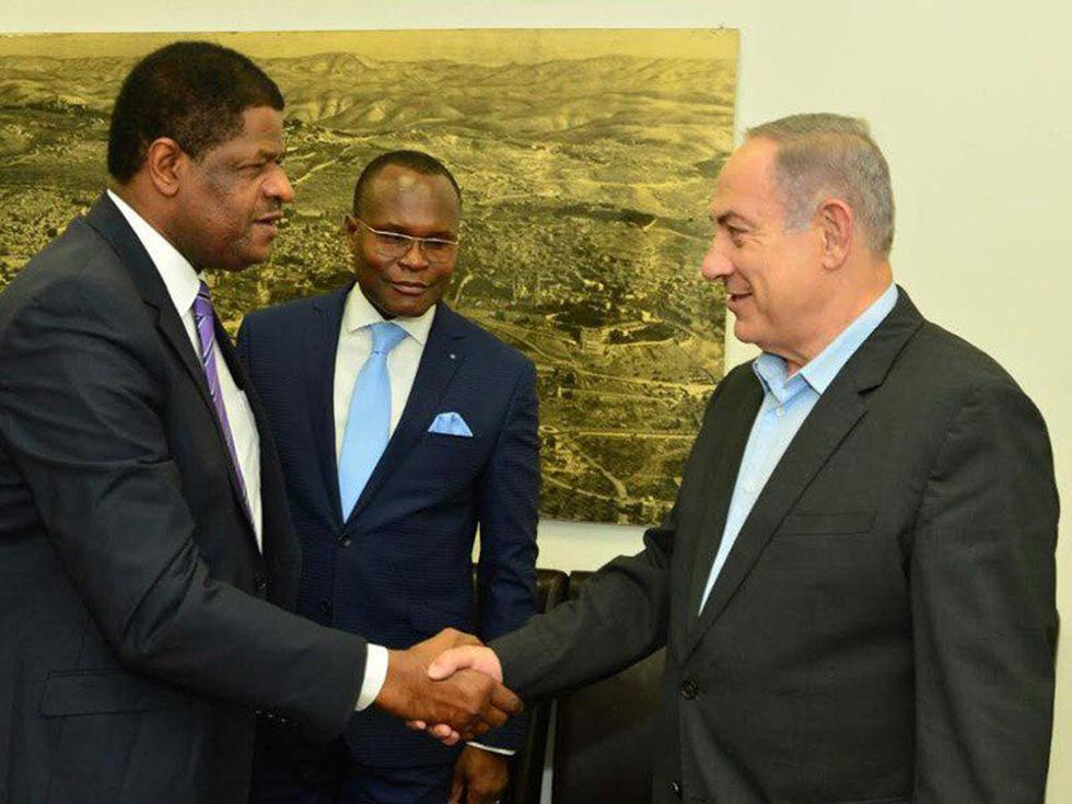 """נתניהו עם נשיא ארגון ECOWAS, מרסל אלן דה סוזה, בירושלים (צילום: קובי גדעון/לע""""מ) (צילום: קובי גדעון/לע"""