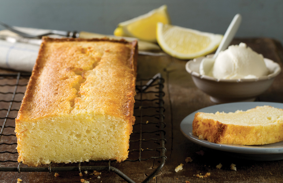 עוגת מסקרפונה ולימון (צילום: בועז לביא, סגנון: נעה קרניק)
