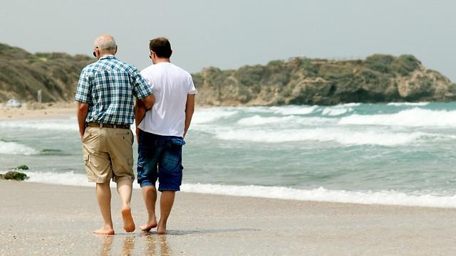 לא רק שחייו של האב ניצלו, גם הקרבה בתוך המשפחה גדלה (צילום: shutterstock)