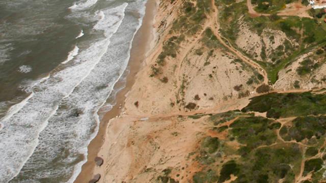 חוף געש lowshot.com (צילום: באדיבות Lowshot)