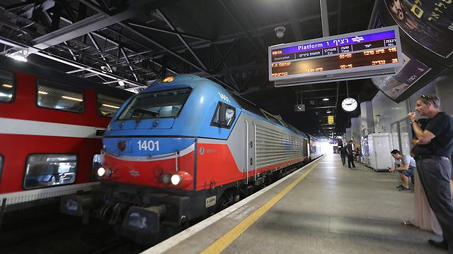 רכבת ישראל - אופציית השיקוע בחיפה נשקלת (צילום: ירון ברנר)