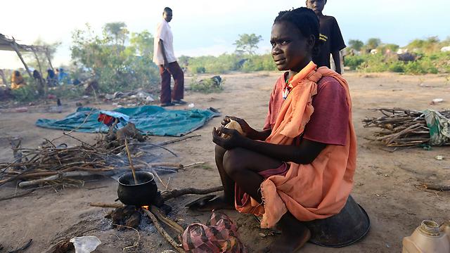 פליטים דרום סודנים בדרום דרפור, סודן (צילום: רויטרס)