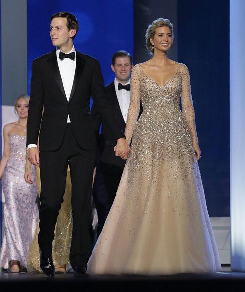 בנשף ההשבעה של אביה: שמלת ערב עם מחשוף עמוק בעיצובה של קרולינה הררה (צילום: Gettyimages)