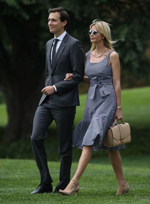 מהגזרות האהובות על טראמפ: שמלות באורך הברך, לפעמים ללא שרוולים ולפעמים עם שרוולים ארוכים (צילום: Gettyimages)