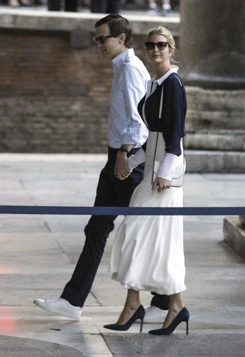 מראה צנוע גם בביקור ברומא (צילום: AP)
