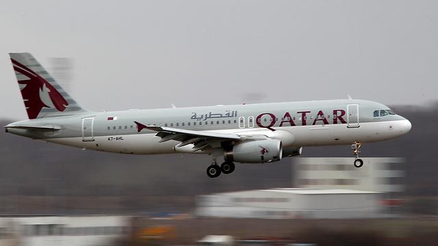 """חברת התעופה הלאומית של קטאר הודיעה בתגובה על הפסקת הטיסות לסעודיה. """"קטאר איירווייז"""" (צילום: רויטרס) (צילום: רויטרס)"""