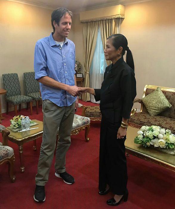 חרמון בפגישה עם שרת התרבות התאילנדית (צילום: דוד בן שימול)