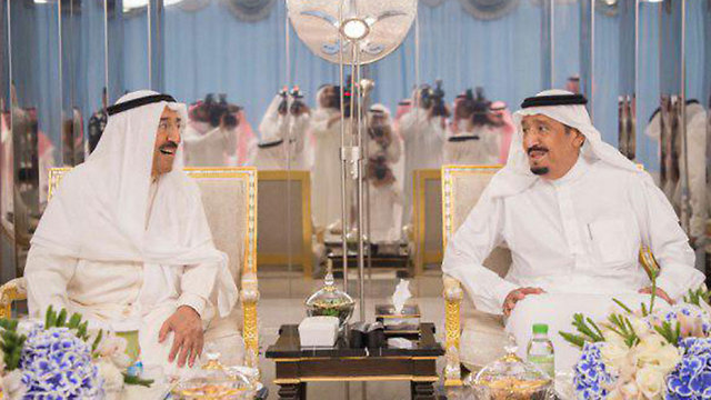 Emir of Kuwait and Saudi king (Photo: Twitter)