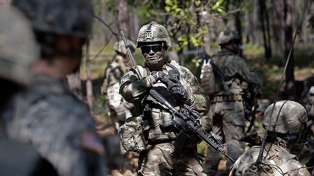 """""""נבחן את ההשפעה על קטלניות הכוחות"""". הגיוסים נדחים בחצי שנה (צילום: AP) (צילום: AP)"""