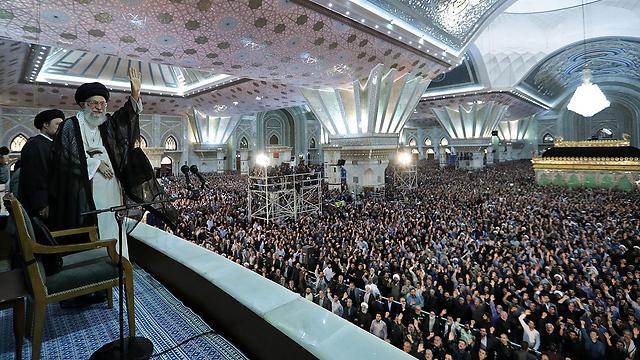 מאז המהפכה האיסלאמית ב-1979 איראן היא סמל לקיצוניות דתית, לעידוד הטרור והסכסוכים הדתיים במזרח התיכון על מנת לקדם את הטרור השיעי. חמינאי (צילום: AFP) (צילום: AFP)