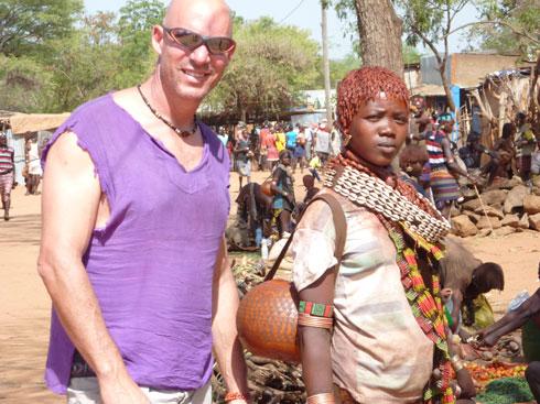 """באתיופיה. """"יש שם הרבה מקומות בלי חשמל או מים זורמים"""" (צילום: מתוך אלבום פרטי)"""