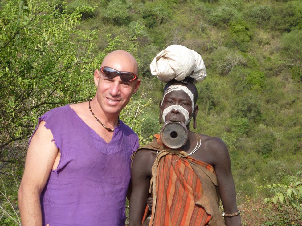 """ירדן באתיופיה. """"התדר בעולם השלישי יותר מעניין אותי. קוסמים לי השקט והפשטות"""" (צילום: מתוך אלבום פרטי)"""