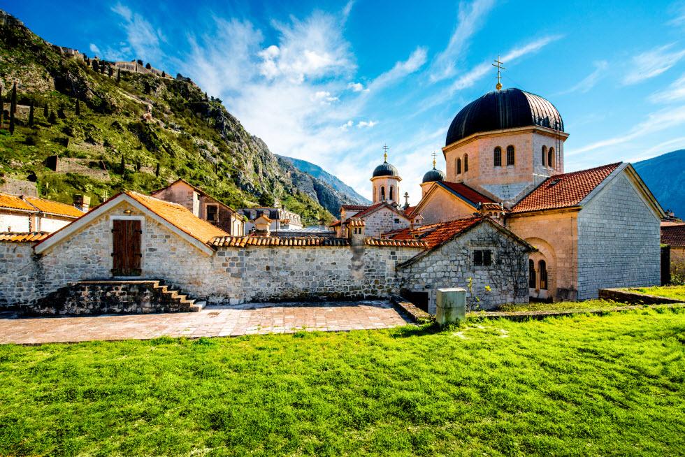 כנסיית סיינט ניקולס בעיר העתיקה קוטור (באדיבות קשרי תעופה)