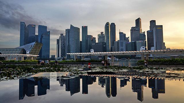 סינגפור - הצפיפות על הכביש בלתי נסבלת (צילום: AFP) (צילום: AFP)