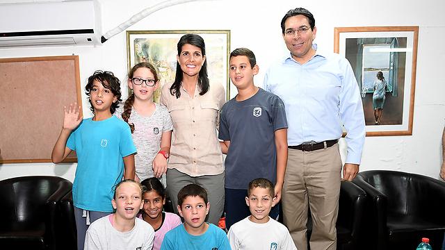 Haley visiting Kibbutz Nahal Oz (Photo: US Embassy in Israel)