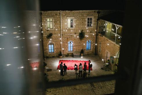 שטיח מעפרונות הוא רק ההתחלה. לחצו לכל הכתבות משבוע העיצוב בירושלים (צילום: דור קדמי)