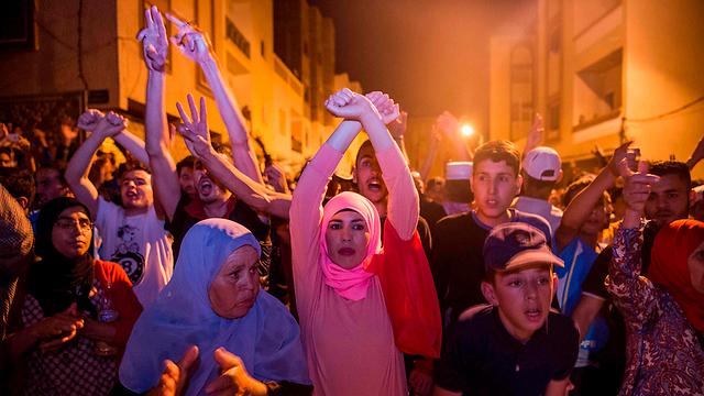 רוצים עבודה, אוניברסיטאות ובתי חולים. גם הנשים המרוקניות יצאו להפגין (צילום: AFP)