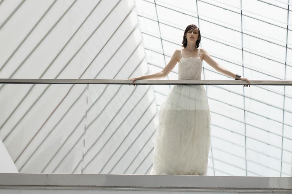 שמלה שרון ברונשר, תכשיטים TOUS (צילום: אלכס ליפקין)
