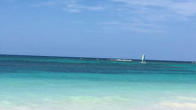 אמיתי ולא מפולטר: הים הקאריבי ברפובליקה הדומיניקנית ()