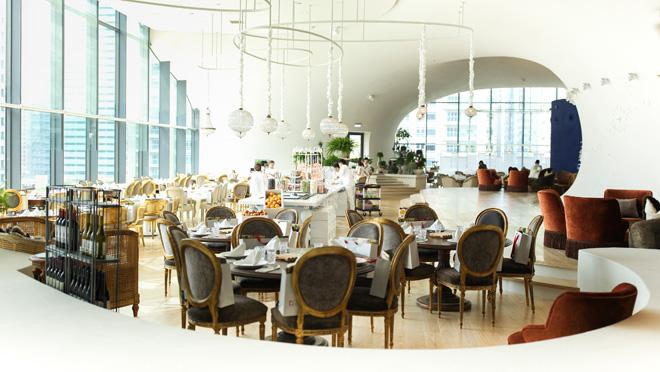 מסעדה מהודרת באחת הקומות העליונות (צילום: National Taichung Theater)