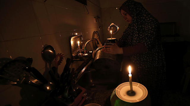 Power outage in Gaza. If Hamas says no to the Israeli initiative, it will lose a lot of points in the global public opinion (Photo: AFP)