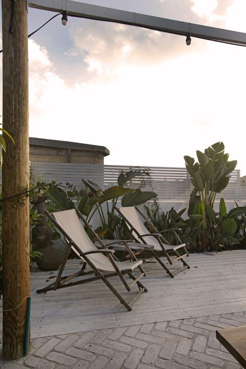 אחת הפינות בגג (צילום: Suzie Cohen Levinson)