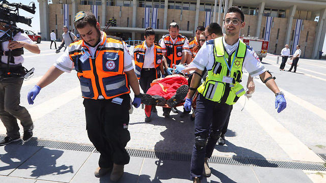 Rescue personnel practice procedures for an earthquake at the Knesset in 2017 (Photo: Courtesy of the Knesset)